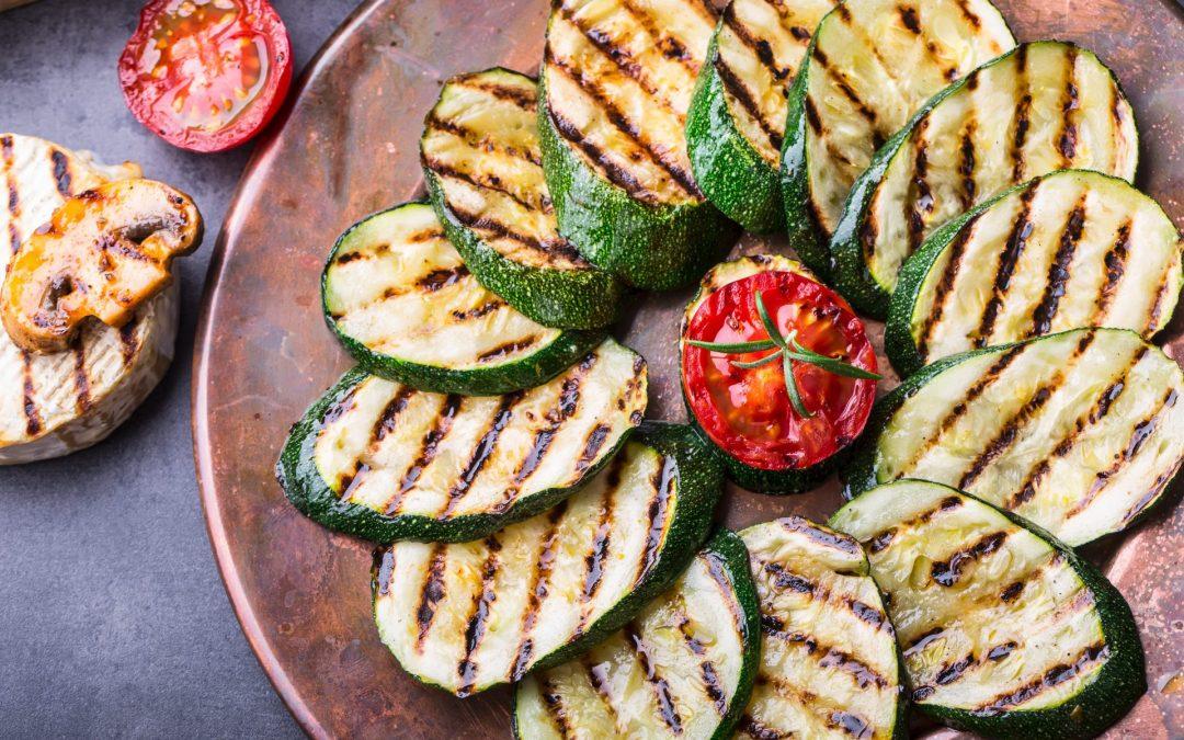 Zwei gesunde Alleskönner: Zucchini und Tomaten
